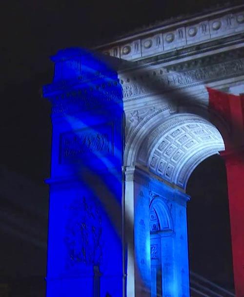 L'arc de Triomphe fête le nouvel an